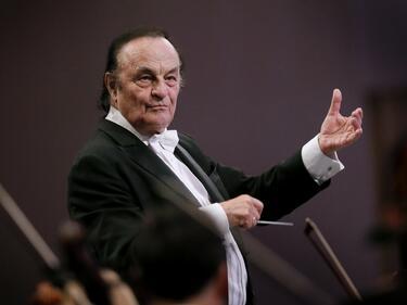 """Големият швейцарски диригент Шарл Дютоа с концерт в зала """"България"""""""