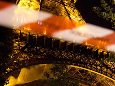Стотици арестувани при протестите в Париж