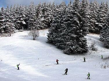 Директорът на ПСС: През уикенда не карайте ски извън пистите