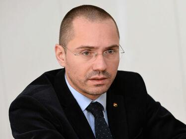 """Джамбазки: Пакет """"Мобилност 1"""" цели да фалира източните предприемачи"""