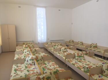 Има сериозен недостиг на места в яслите, призна Столична община