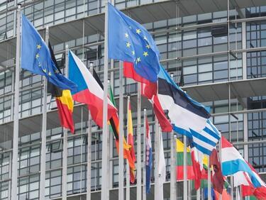 Всеки трети от новите депутати в Страсбург - противник на ЕС