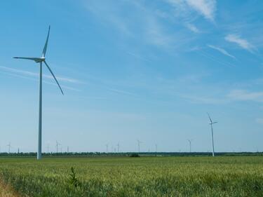 България сред лидерите по достигнати цели за ток от ВЕИ