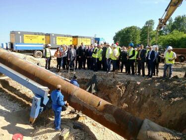 Спират временно процедурата за изграждането на газовата връзка със Сърбия