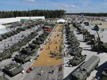 Руската армия започна учения в Крим