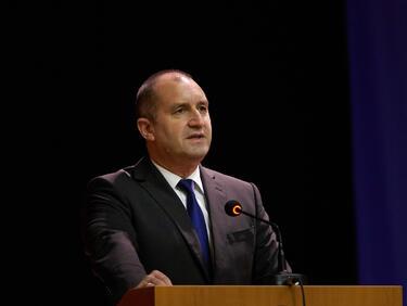 Радев: Приветствам решението на НС да обяви Велико Търново за историческа и духовна столица