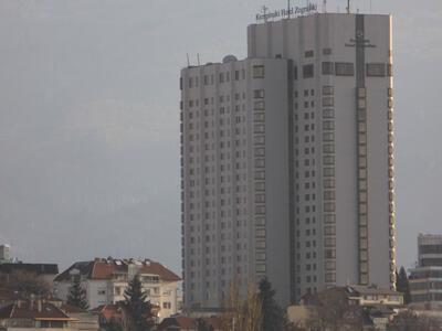 """Незаконната надстройка на хотел """"Маринела"""" ще бъде съборена"""