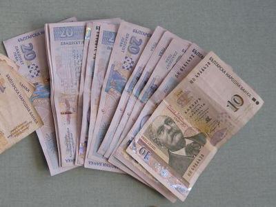 Плащаме си бързите кредити с безлихвените COVID-заеми