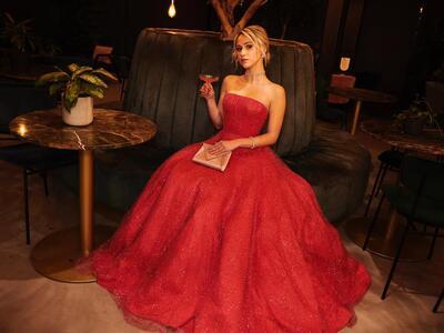 Мария Бакалова плени модните критици с внушителна рокля