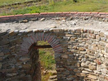 Археолози откриха останки от стена на Белинташ