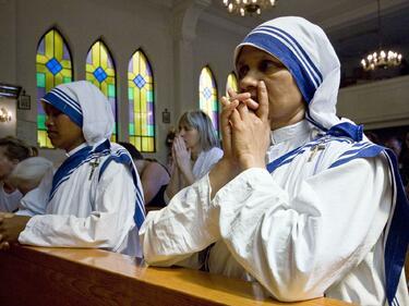 """Майка Тереза - """"светицата на бедните"""""""