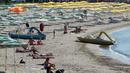 Регионалният министър прекрати концесиите на плажовете в Обзор и Ахтопол