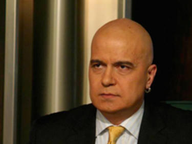 Слави Трифонов: Честит нов политически сезон, уважаеми българи…