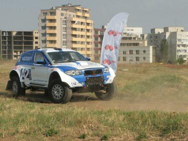 Български автомобилен екипаж ще дебютира на рали Дакар 2013