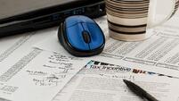 Бизнесът иска да се върне добавката за стаж в заплатите на чиновниците