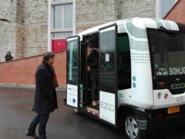 Пуснаха микробуси без шофьори в Талин