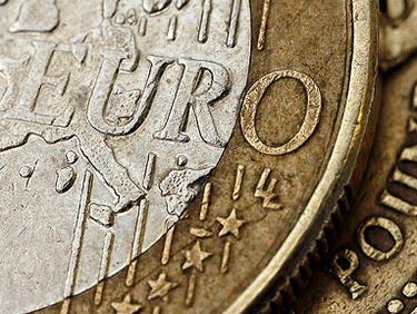 Morgan Stanley: Еврото изравнява паунда през 2018 г.