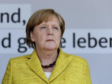 Меркел рязко губи подкрепа 10 дни преди изборите