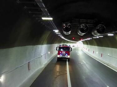 Филм учи шофьорите как да действат при инцидент в тунел (ВИДЕО)