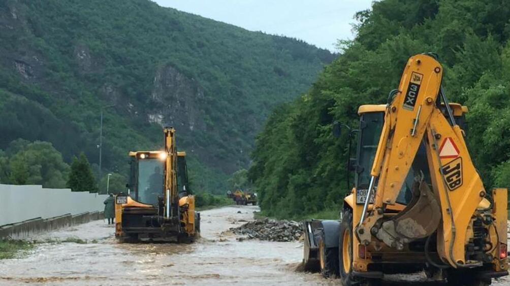 Снимка: Остава бедственото положение в Пирдоп и Тетевенско