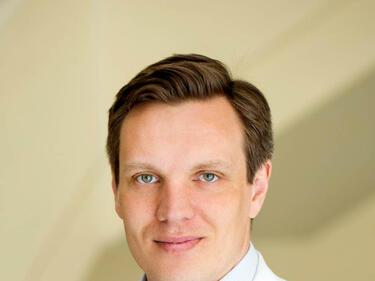 Проф. Д-р Матиас Прoйзър: В основата на успешното лечение е правилното диагностициране на рака на гърдата